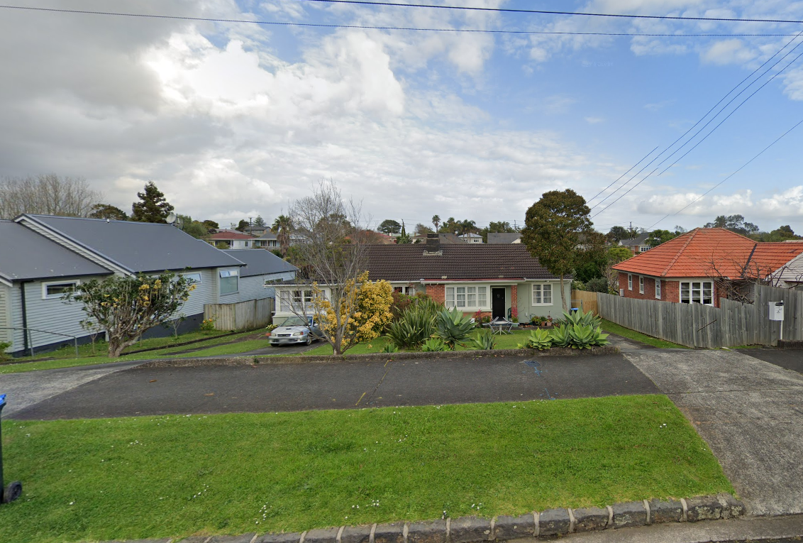 Wainoni Ave before AR104106